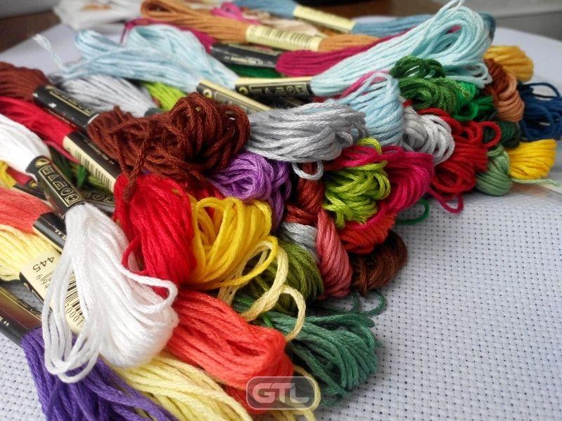 Цветовая палитра ниток для вышивки