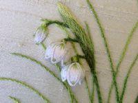 Нежные вышитые цветы