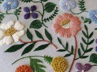 Цветочные мотивы в вышивке